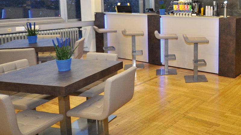 Krzesła, stołki barowe i meble do baru